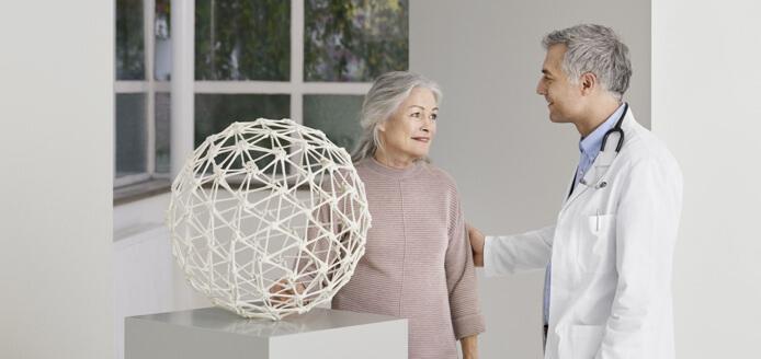 Dostupni su učinkovita terapija za osteoporozu, ali postoje izazovi koji mogu ugroziti uspjeh terapije
